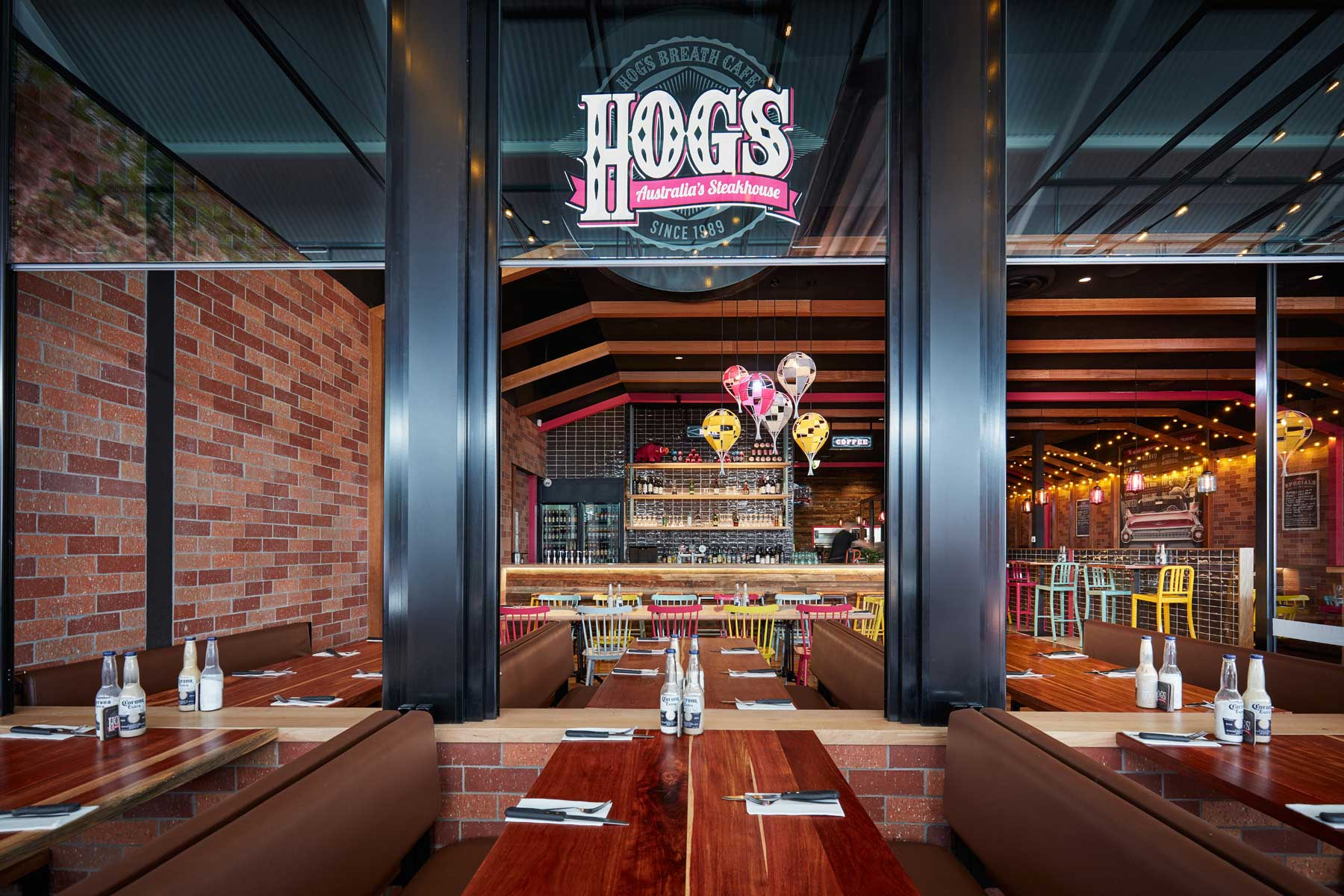 Hog's Breath, Knox - interior design by Studio Y.