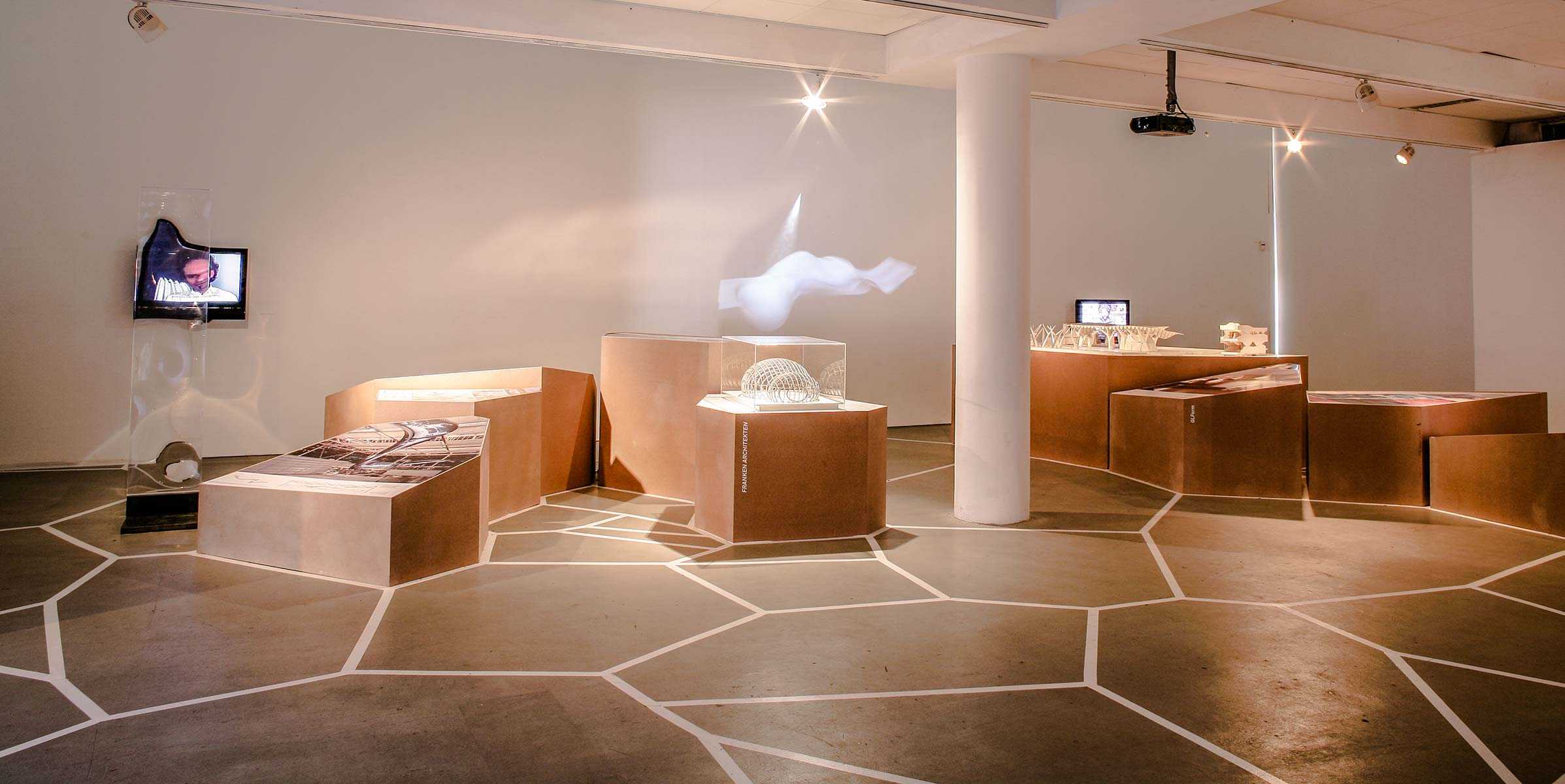 Performalism - interior design by Studio Y.